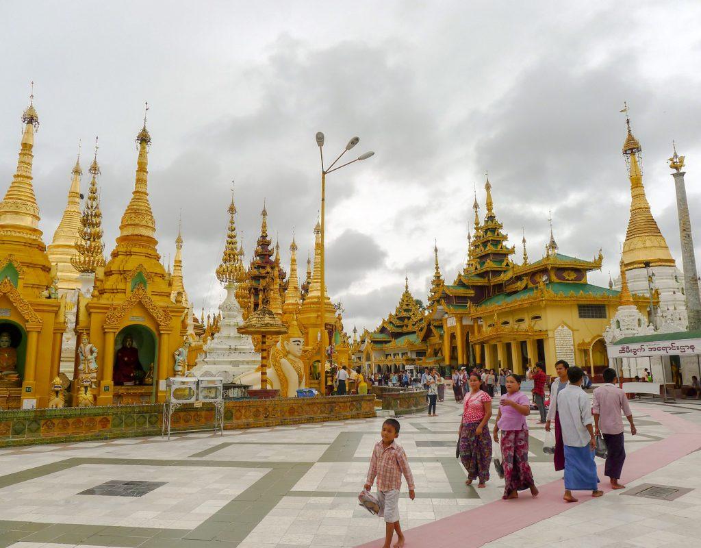 Myanmar - Rangoon Temple1