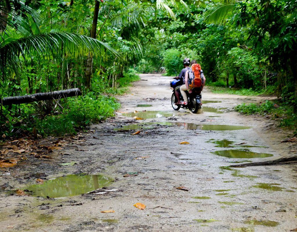 Myanmar - Fahrt zum Chaungtha Beach 1